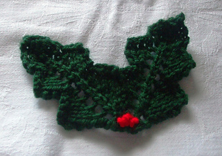 Ravelry Knitted Holly Leaves Pattern By Lesley Arnold Hopkins
