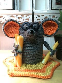 20 Free Patterns for Crochet Cats!   FCPF • Oombawka Design Crochet   320x240