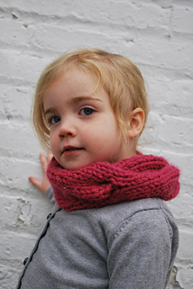Ravelry Children S Quick Knitted Cabled Cowl Pattern By A