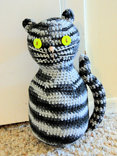 Crochet cats as toys or stuff with beans for a cute doorstop ... | 320x240