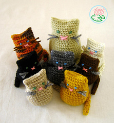 Amigurumi mother and baby cats - Toma Creations \u00a9 2012