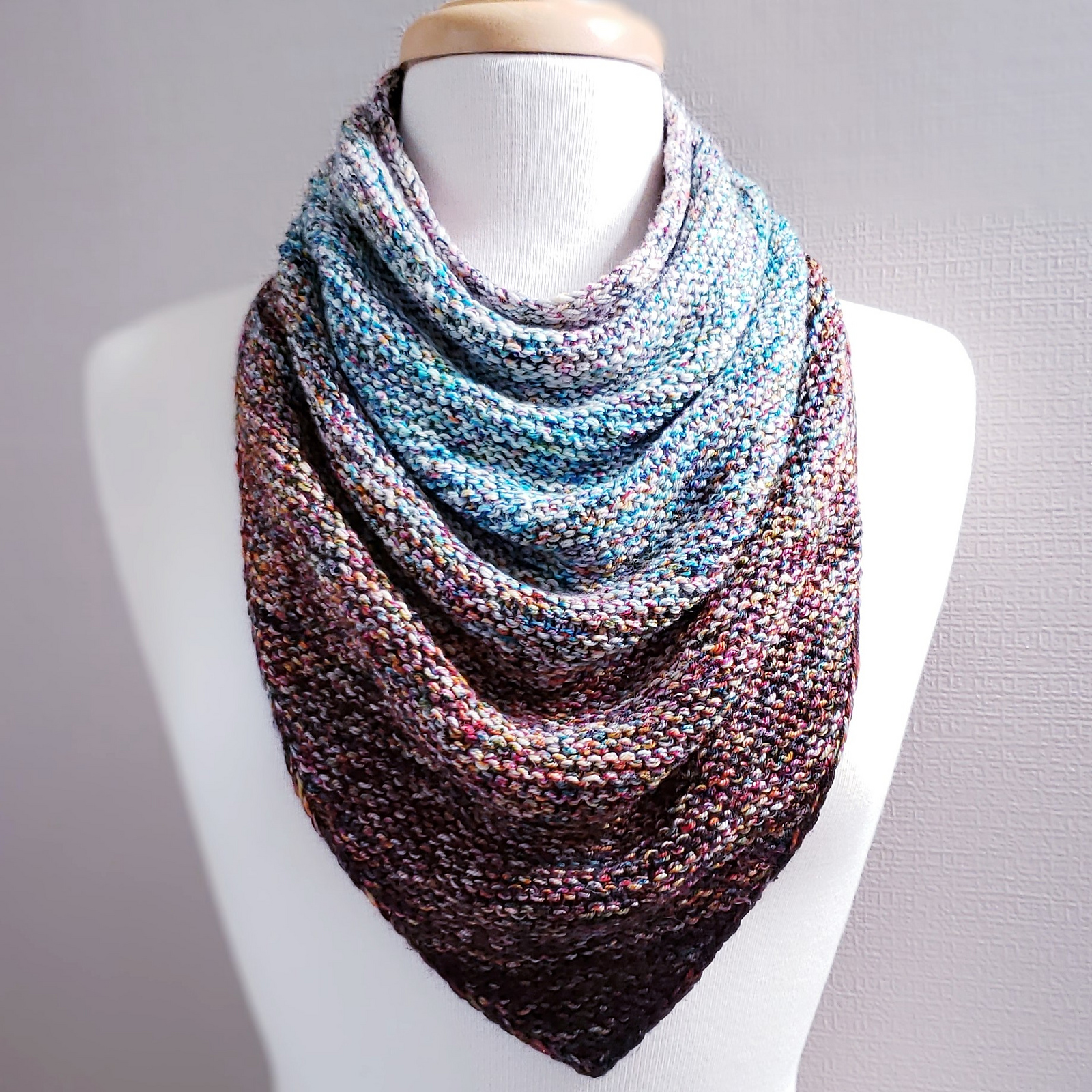 knitted bandana cowl pattern using either DK weight yarn or knitting with two strands of sock weight yarn.