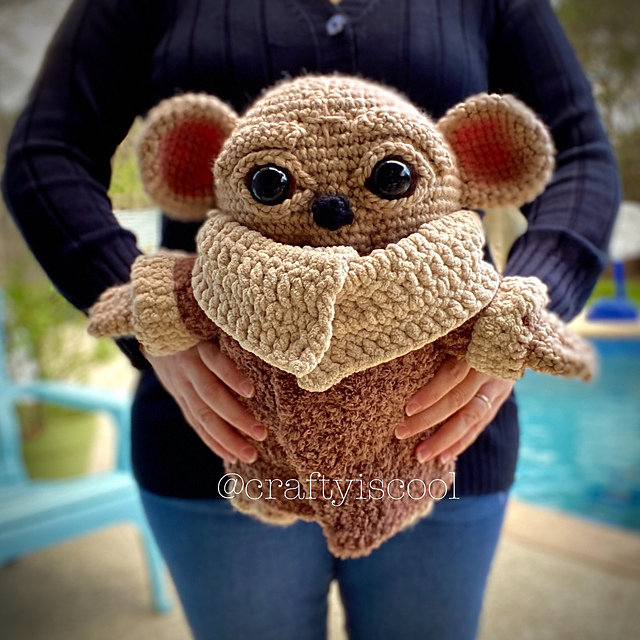 "Amigurumi patterns on Instagram: ""This sweet deer came to remind ... 