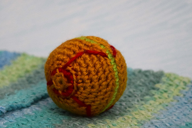 How to crochet a ball by BerlinCrochet - YouTube | 427x640