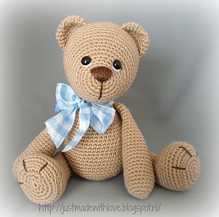 one lovely example how Lucas the Teddy pattern works :)