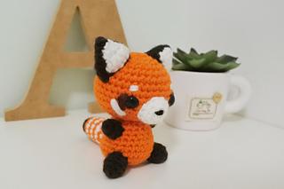 Red Panda Amigurumi Crochet by StitchedLoveCrochet on DeviantArt | 213x320