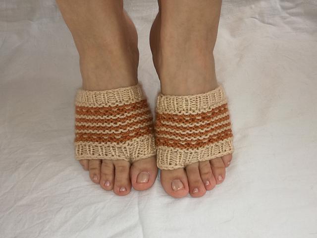 Ravelry: Flip Flop Socks pattern by