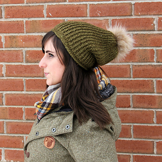 slouch and pom poms for the win!