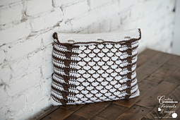 Queen of Hearts Rectangle Pillow & Pillow cover crochet pattern
