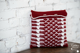 Queen of Hearts Square Pillow / Pillow Cover crochet pattern