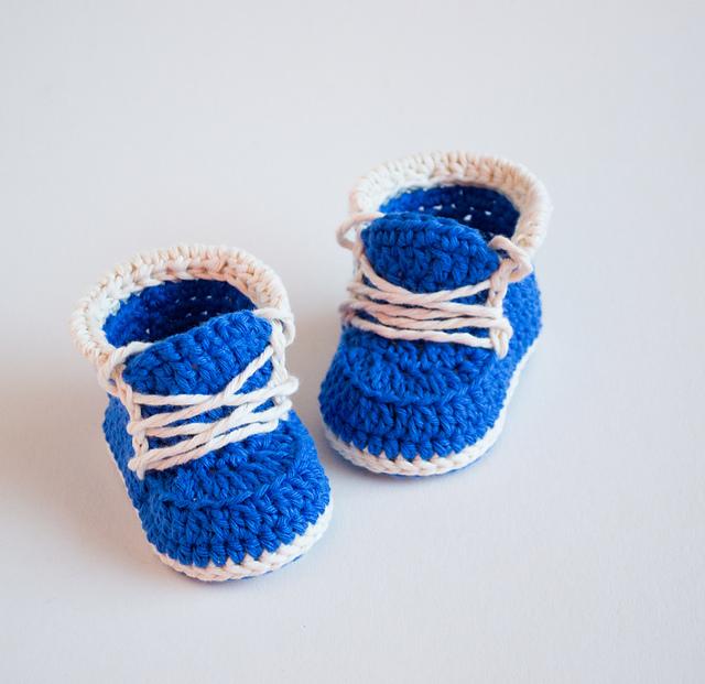 Crochet baby Booties Little Runners