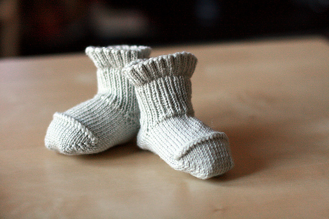 Better-Than-Booties Baby Socks pattern