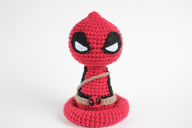 Marvel's Deadpool Doll Amigurumi Crochet Free Pattern | Doll ... | 426x640