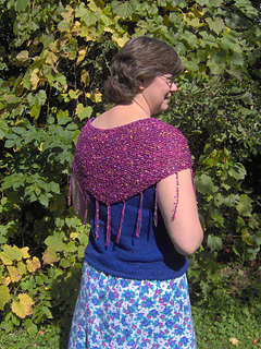 Shawlette back view