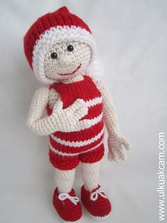 Free Crochet Pattern for a Christmas Doll Amigurumi ⋆ Crochet Kingdom | 320x240