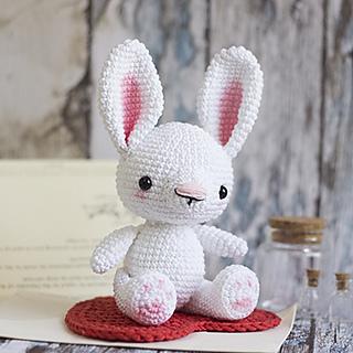 Ravelry: Amigurumi Bunny Rabbit pattern by Tatie | 320x320