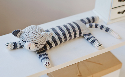 Crochet Pattern Sleeping Cat with Chickens and Easter Eggs | Cat ... | 308x500