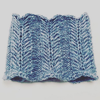 Ravelry: Arendelle Cowl pattern by Threads of Wonder