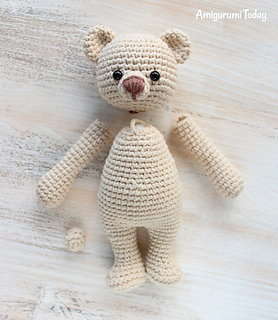 Crochet bears with heart pattern - Amigurumi Today | 320x278