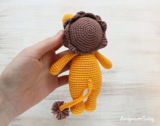Cuddle Me Monkey amigurumi pattern - Amigurumi Today | 253x320