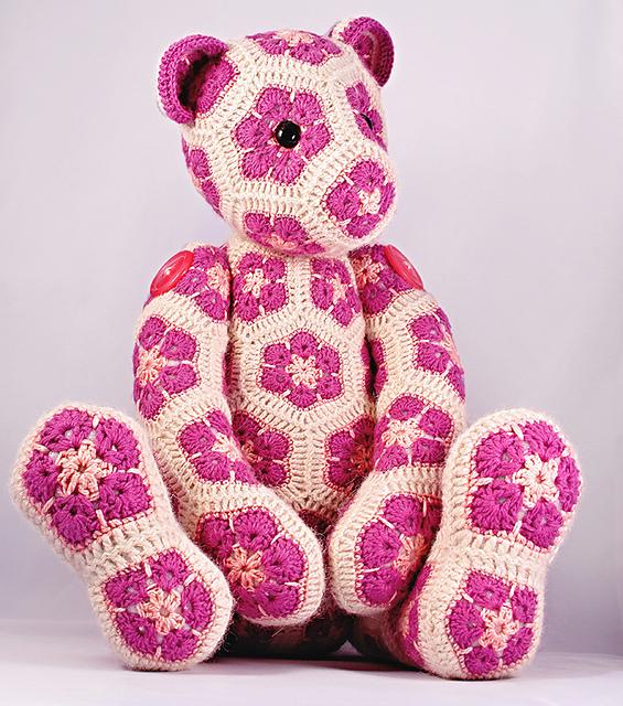 Ravelry: Teddy Bear pattern by Debbie Bliss | 640x565