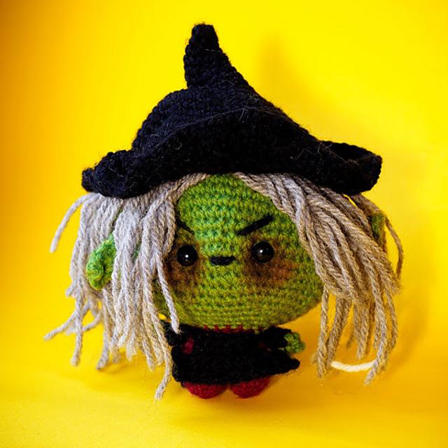 Free Witch Hat Crochet Amigurumi Pattern - Little Bear Crochets   640x640