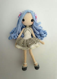 Amy the Amigurumi Doll - A Free Crochet Pattern - Grace and Yarn | 320x232