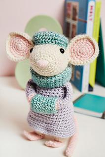 Amigurumi Ballerina Mouse - A Free Crochet Pattern - Grace and Yarn | 320x213