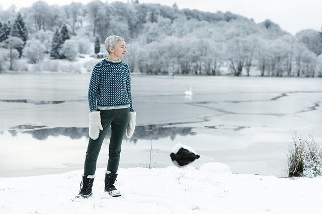 Три возраста твида: вязаные модели на зиму и весну, фото № 21