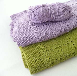 Holding Hands Baby Blanket - A Free and Easy Baby Blanket to Knit
