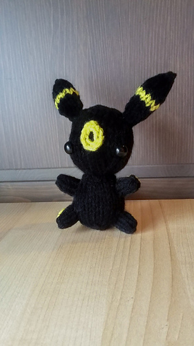 Pokemon Umbreon (Shiny) Teenie Beanie Amigurumi (Crochet ... | 500x281