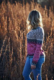 The pattern includes optional subtle waist shaping. It is included in this sample.