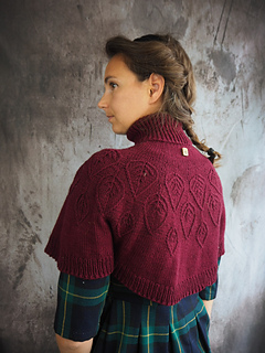 Enchanted forest capelet