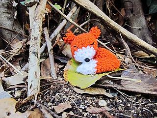 Mini Sleepy Fox Amigurumi pattern by Amanda Maciel | Amigurumi ... | 240x320