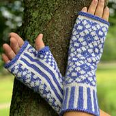 Regular length mitt with long cuff.