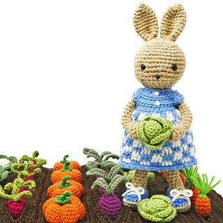 Dress me bunny boy and girl - Free amigurumi pattern | 320x320