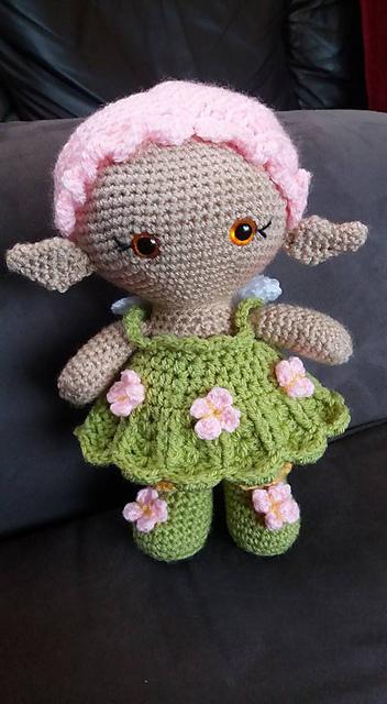Amigurumi Valentine Rose Roxy - Zabbez flower doll - YouTube | 640x352