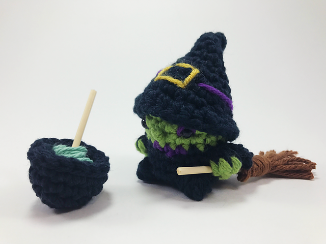 Amigurumi Witch Ambra Free Crochet Pattern - Amigurumi Free Pic2re | 480x640