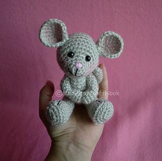 Little mouse amigurumi pattern | Amiguroom Toys | 318x320
