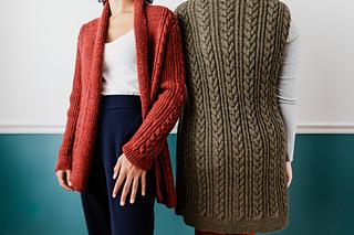 Anaïs (L) wears Janey in Cinnamon & Kiley (R) wears Janey in Bark / Photographer: Danie Harris