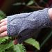Onda su onda fingerless mitts pattern