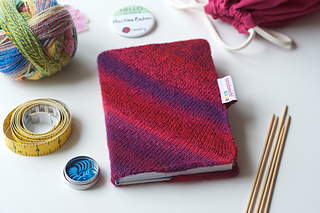 One for the Books – a knitted book cover designed to fit your Strickplaner