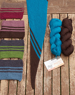 Kits in these colors can be found in Strickmich! Shop