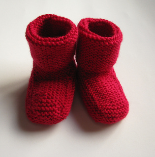 Ravelry: Stay-on baby booties pattern