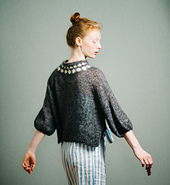 Elbow-length Puff Sleeves,  MC: lace weight mohair,  CC: worsted weight merino – 五分丈のパフスリーブ、 メイン: モヘアの極細糸、 模様: メリノの並太糸 – Пышные рукава длиной до локтя