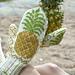 Pineapple Mittens / Ananastumput pattern