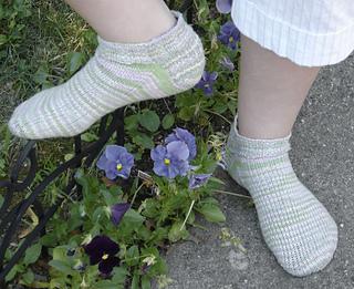 Little Pansy Socks