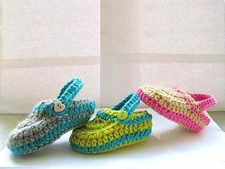 Ravelry: Crocs Baby Slippers pattern by