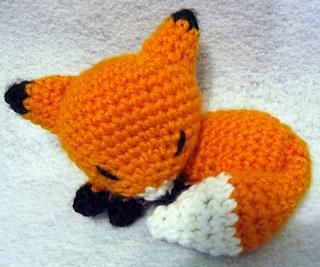 Amigurumi Crochet Fox Pattern by Little Bear Crochets | 267x320