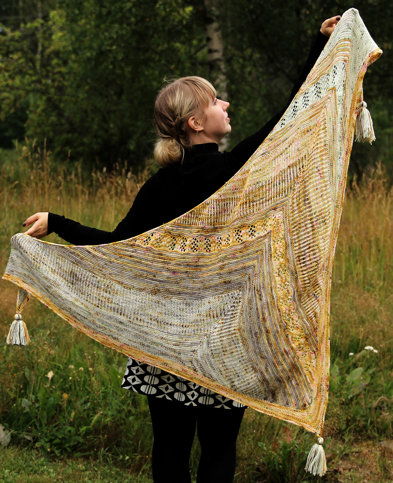 Shake it up Shawl by Anna Johanna